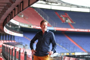 Tim van Ammelrooy, directeur van het Ambachtse bedrijf Traininingskampen.nl dat inmiddels ook ver buiten onze landsgrenzen een begrip is. FOTO JAN VOLWERK